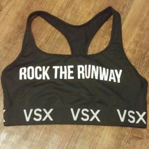 🚺VSX Rock The Runway Sports Bra Size L